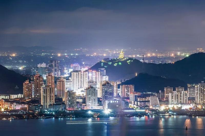 陈奕君:把台州会展中心和机场将建设成为台州城市新地标